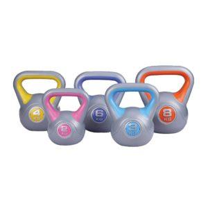 Na slici je plastična girja ili kettlebell u više različitih veličina i težina od 2kg, 3kg, 4kg, 6kg, 8kg.težina